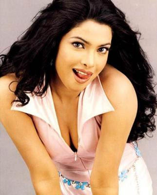 heroines wallpapers. Hot Bollywood Actress