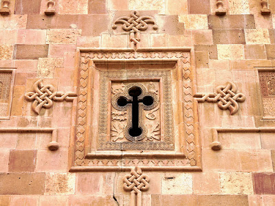 Syria: Islamists seize Christian church