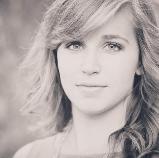 Carrie Baker Photo 30