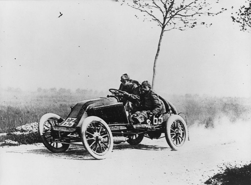 Marcel Renault driving to his death in May 1903.