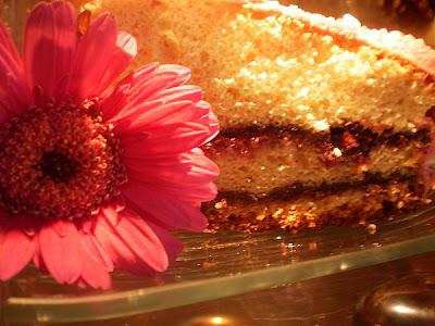 gâteau de Savoie aux fraises et au chocolat - part