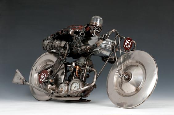 https://lh6.googleusercontent.com/-anQG9_1CiHo/TX7MGa9We8I/AAAAAAAAKqs/DOvwyuu86Q0/s1600/09_james+corbett_moto+brooklands_escultura+metal.jpg