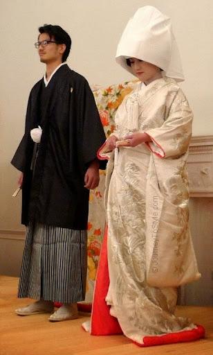 Traditional wedding dresses for bride and groom Wedding dress japan