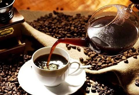minum kopi pagi hari