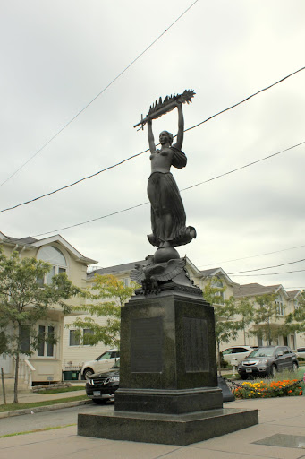 Pleasant Plains Statue