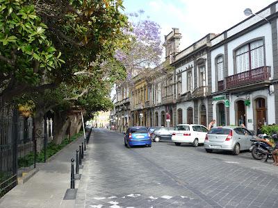 Straße in der Altstadt in Aracas