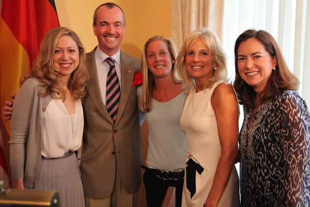 Chelsea Clinton, Botschafter Murphy, Carin Jennings-Gabarra, Dr. Jill Biden,  Lee Satterfield
