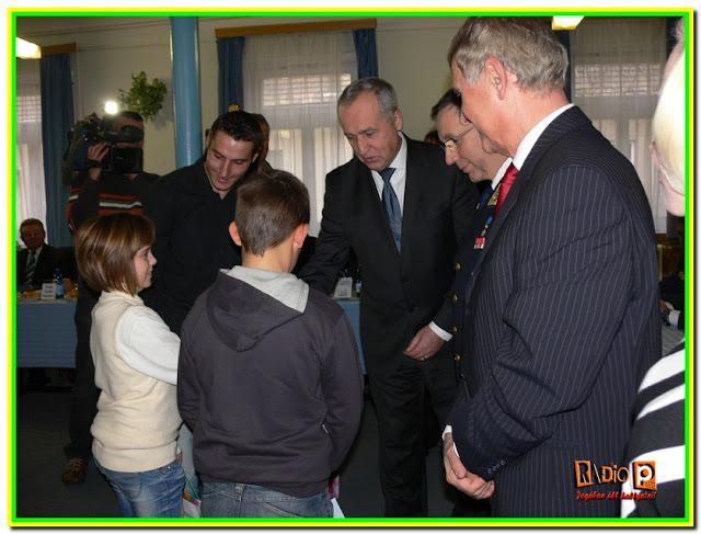 Nagycsaládos polgárőrt jutalmazott az OPSZ elnöke
