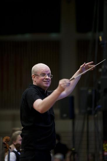 nhạc trưởng Alf Richard Kraggerud.