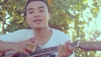 Lirik Lagu Bali Willy - Seratus Persen