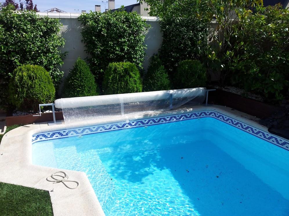 Enrollador manta termica piscina simple enrollador de for Burbuja piscina