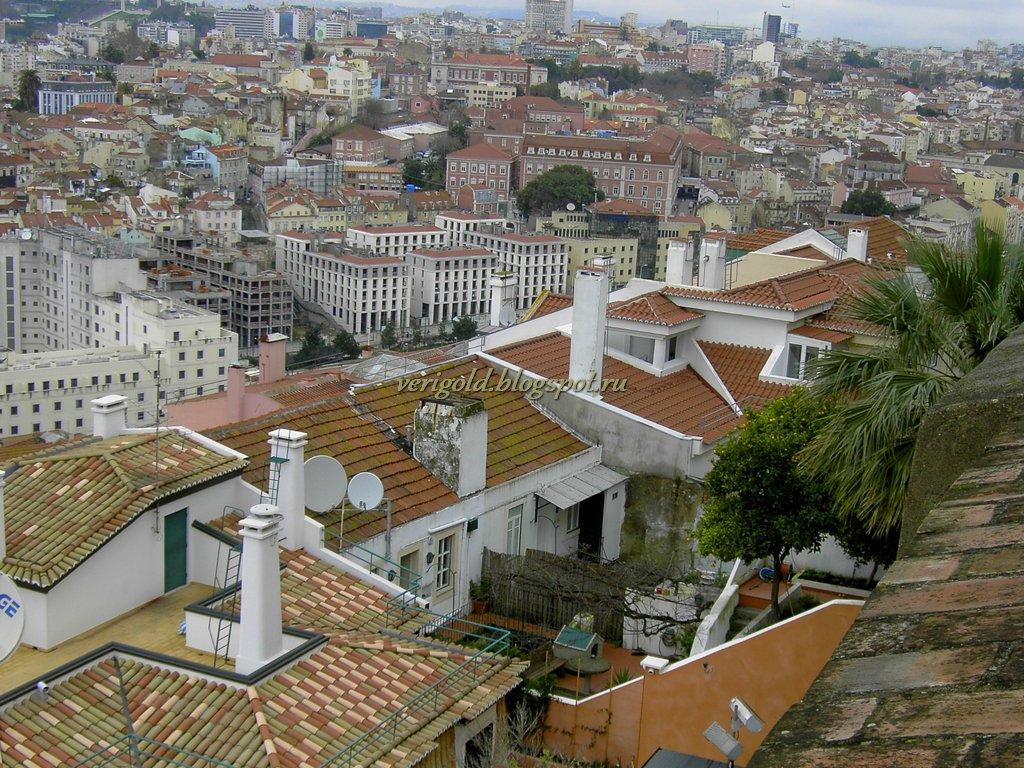 Крыши Лиссабона с высоты крепости Святого Георгия