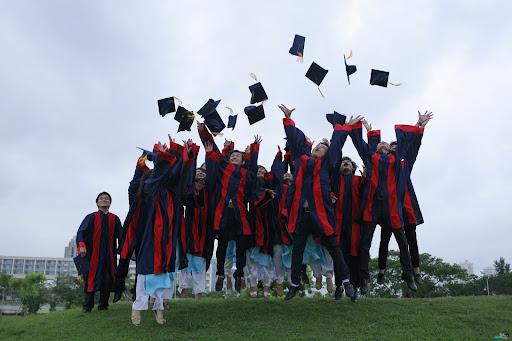 5 lưu ý cần thiết khi chọn trường đại học - DIENANH24G 5 lưu ý cần thiết khi chọn trường đại học