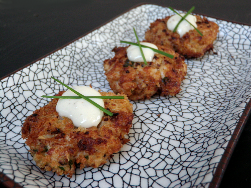 Salmon Cakes with Lemon Garlic Aioli
