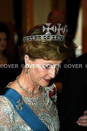 Joyas de la familia real Noruega R12dj7
