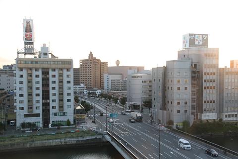 西日本鉄道「福岡オープントップバス」 赤塗装車窓 都市高速 千代橋付近