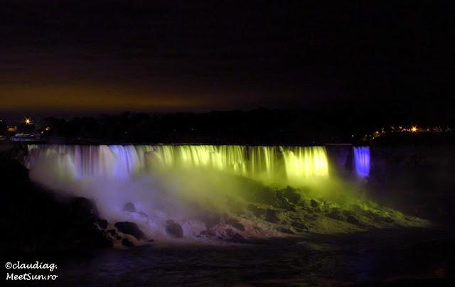 American Falls si Bridal Veil Falls - luminate noaptea