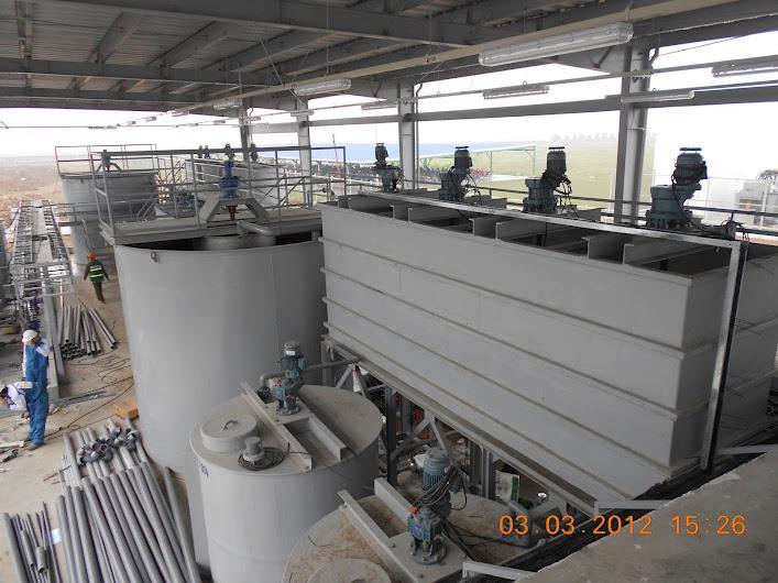 Hệ thống bồn composite phản ứng