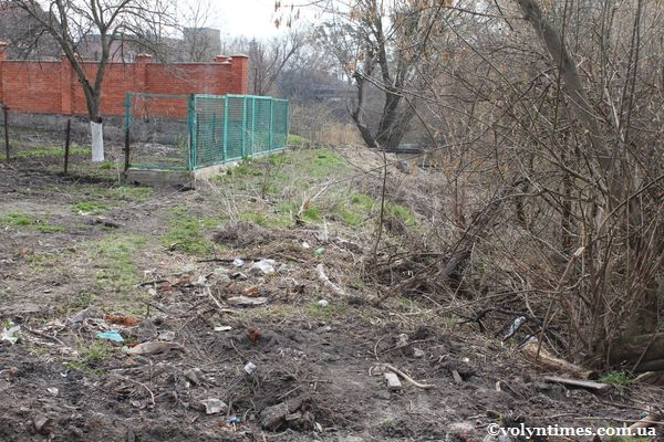 Водоохоронна зона на вул. Петрусенка