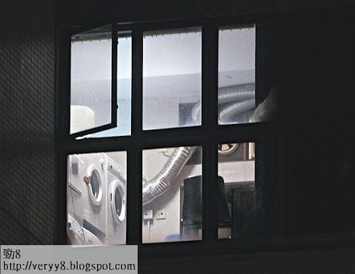 2.除了健身房,十樓亦設有洗衣房,供啹喀使用。