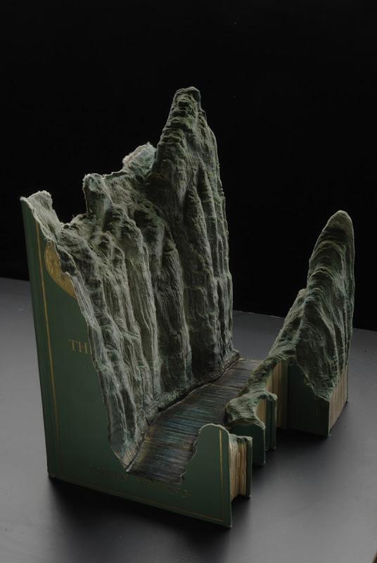Knygų skulptūra