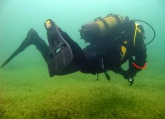Miembro de Gemosclera en la inmersión