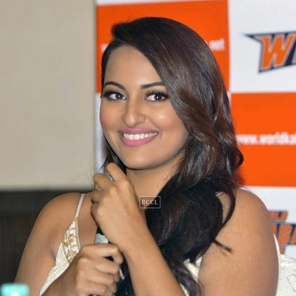 Sonakshi Sinha gets clicked during a press meet to announce her association with World Kabaddi League (WKL), held at hote Novotel, on July 16, 2014.(Pic: Viral Bhayani)