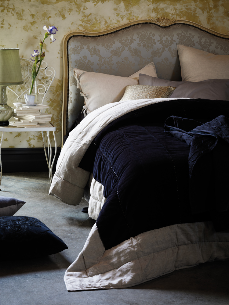 Tracie ellis design velvet and linen what a perfect for Tracie ellis bedding