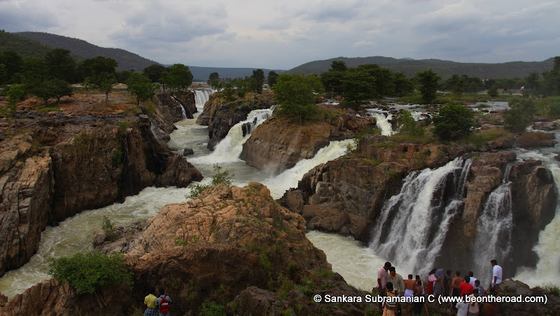 Hogenakkal Falls from the Tamil Nadu side - looks like a canyon with water tumbling everywhere