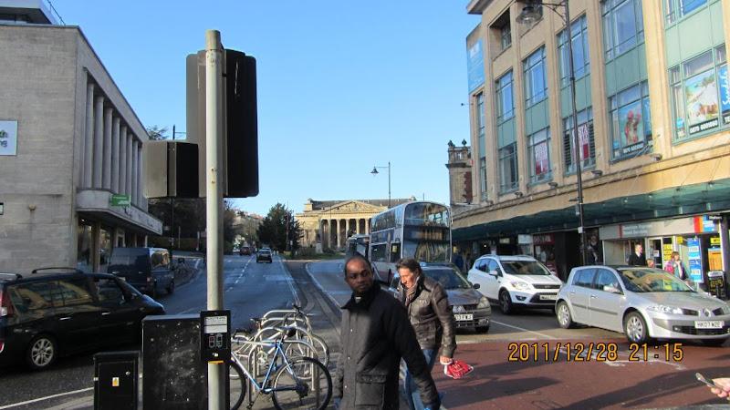 布里斯托大學週遭商店街一景