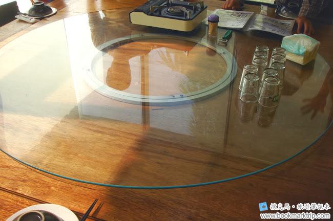 筑園料理餐廳獨立桌包箱的餐桌