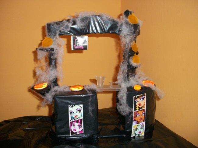 """Boutique de la Sindy Lazos """"tuneada"""" por BEA-TRICI para la Fiesta DIY de Halloween para sus Monster High"""
