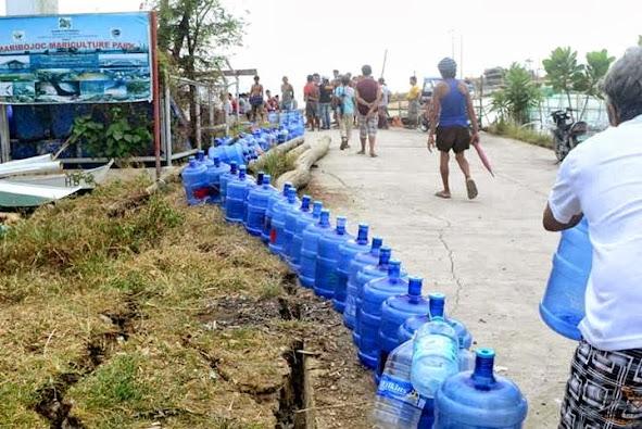 goods+via+boat+mari2 - Post-earthquake, those hardy Boholanos - Bohol Earthquake 2013