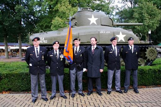 OVERLOON 08-10-2011 Officiële tankoverdracht  (60).JPG