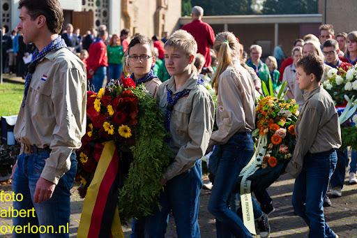 herdenkingsdienst  en een stille tocht naar het Engelse kerkhof 12-10-2014 (46).jpg