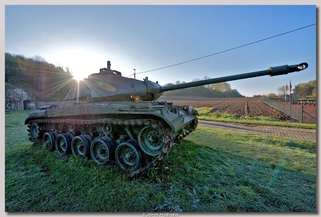 Tank, Fort Eben Emael, John Hoenen