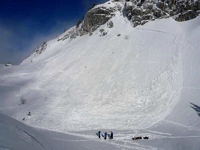 avalanche-grandsom-feb2012.jpg height=514 width=685