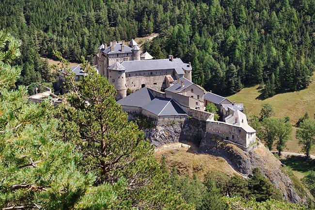 gr5-briancon-mediterranee-chateau-queyras.jpg