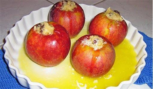 запах моченых яблок изо рта