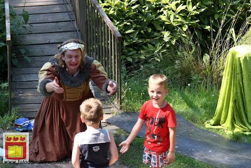 Sjluuk & Co en de geheime speelgoedmachine Openluchttheater Overloon 25-07-2012 (75).JPG