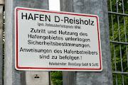 Schild am Hafeneingang
