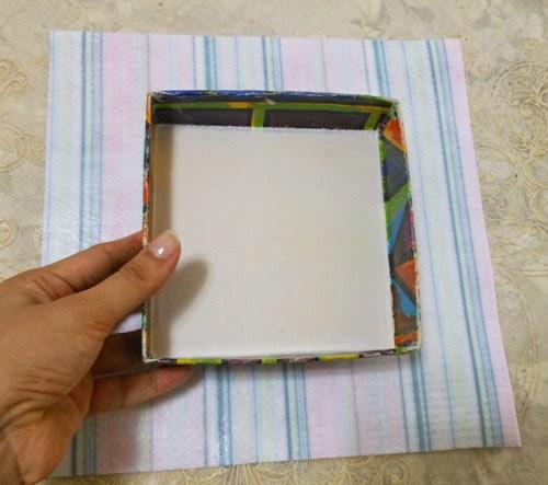 Customizando caixinha decorativa com feltro adesivo