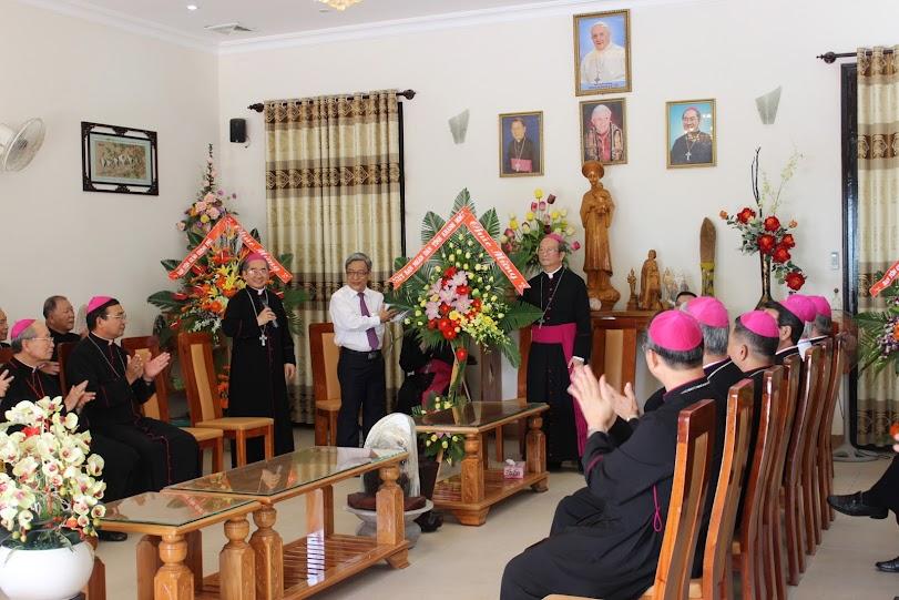 GP. Nha Trang hân hoan đón tiếp HĐGMVN về họp từ 27-30/10/2014