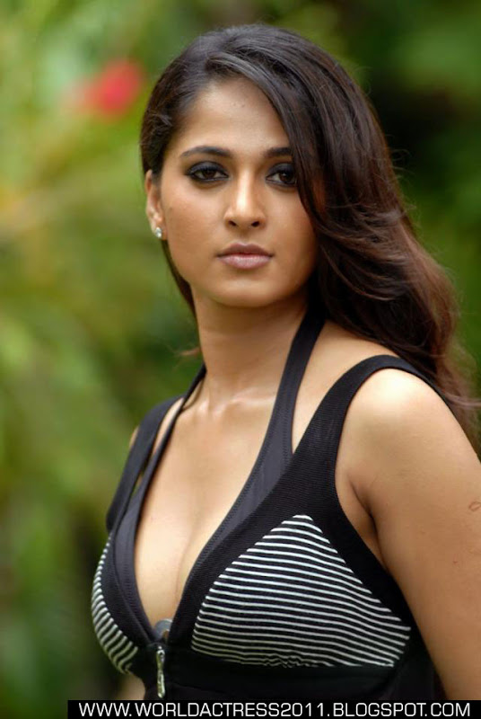 anushka Fake,hot,breast,nipple slip,topless