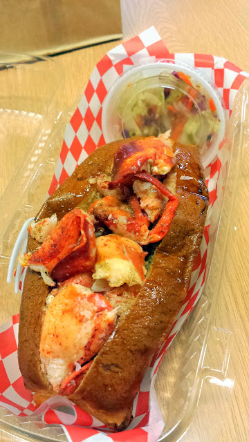 Da Lobsta stand at the Chicago French Market, Lobster Roll