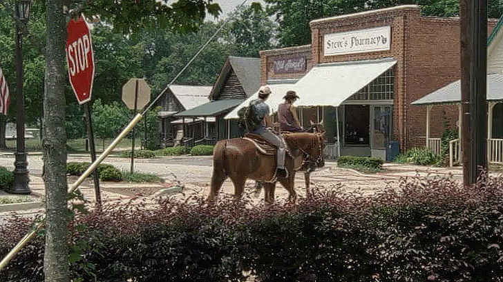 Pharmacy + 11 of the Best Walking Dead Locations // Local Adventurer #twd #thewalkingdead #walkingdead #atlanta #exploregeorgia