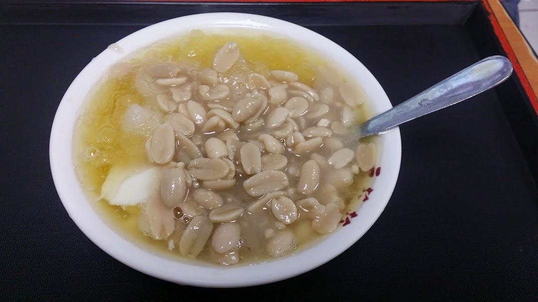 台北美食推薦-大同區寧夏夜市必吃花生豆花【豆花莊】