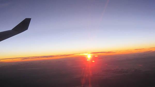 飛行機から見る夕日
