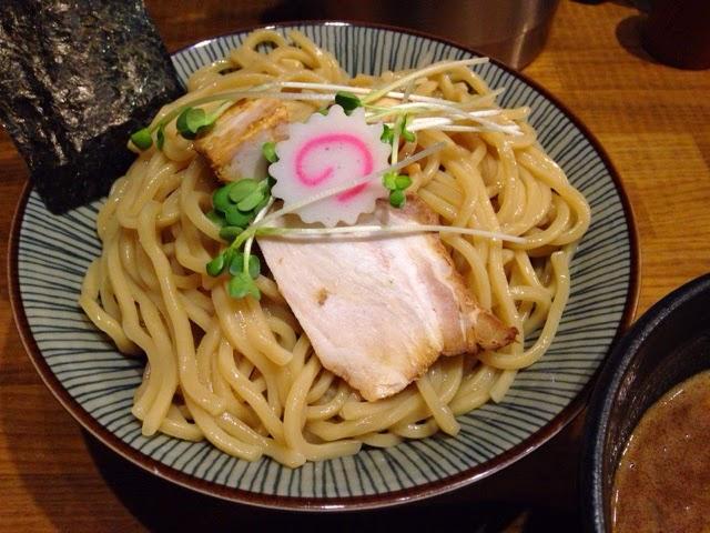 狸穴 濃厚つけ麺大盛 麺アップ