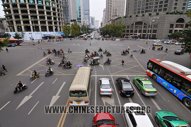 Chengdu Downtown Photo - Crossing